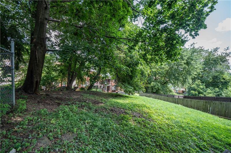3021  Glendale Avenue Photo 3